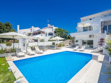 Schöne Villa Punat mit Meerblick auf Krk