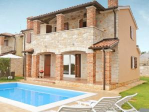 Lovely villa with private swimming pool and sea view