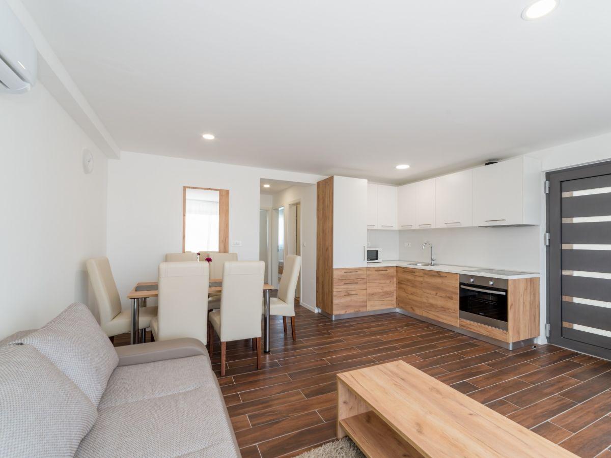 ferienwohnung mirakul 3 vir firma adela travel j d o o adela turkovic. Black Bedroom Furniture Sets. Home Design Ideas