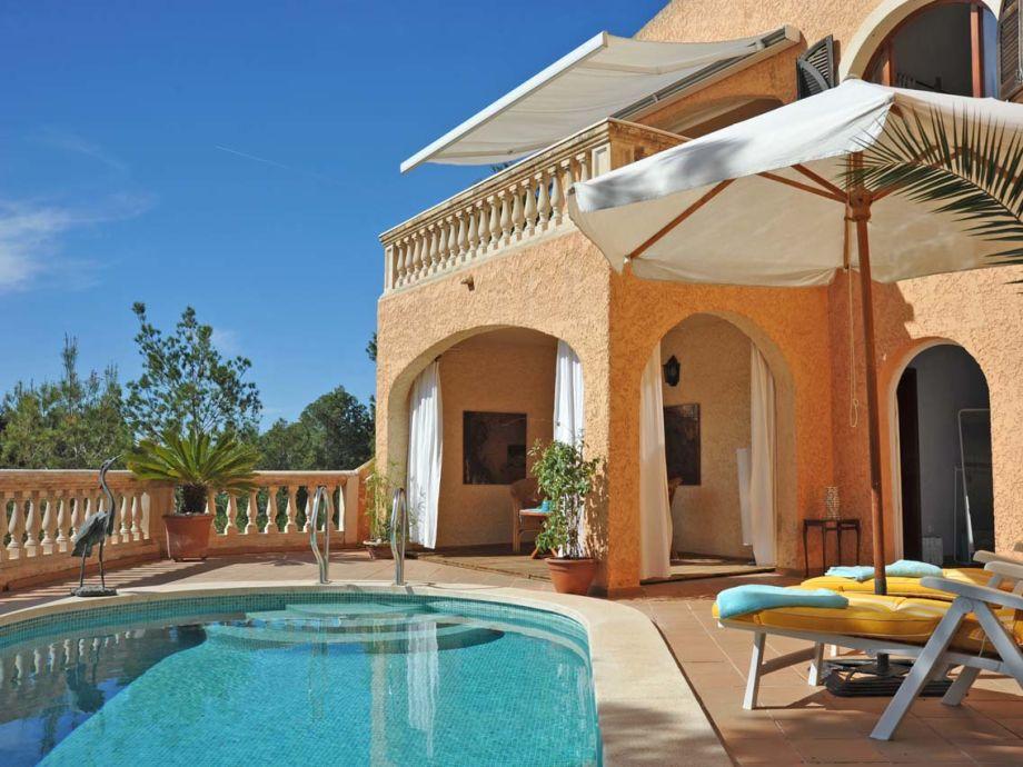 Ferienhaus Mediterran mit Pool