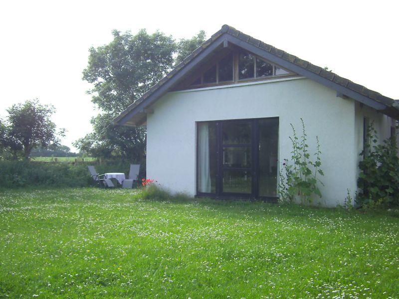 Landhaus Atelierhaus mit Kamin und Garten