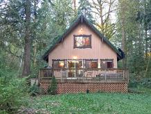 Holiday apartment Cabin #22 – HOT TUB, BBQ, WIFI, PETS OK, SLEEPS-8!
