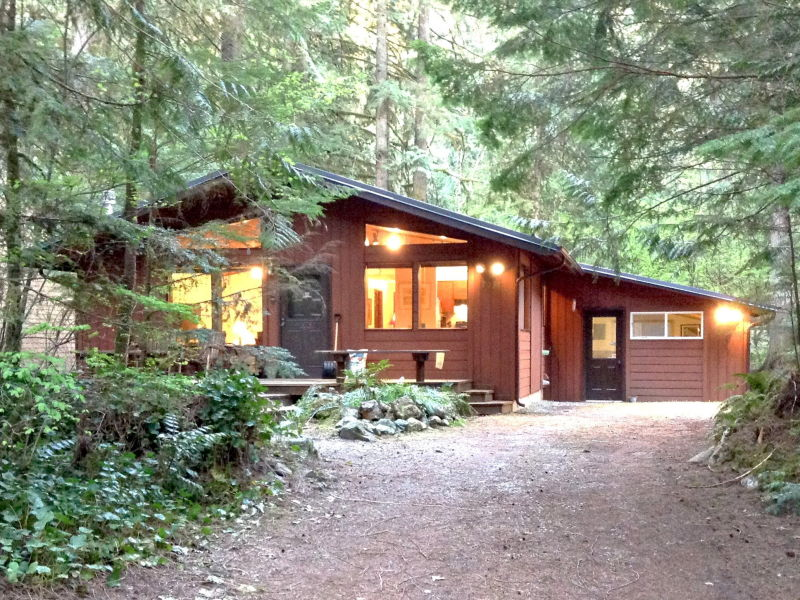 Holiday house Cabin #23 – HOT TUB, SAUNA, POOL TABLE, SLEEPS-6!