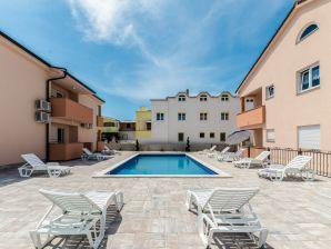 Holiday apartment Isola 2
