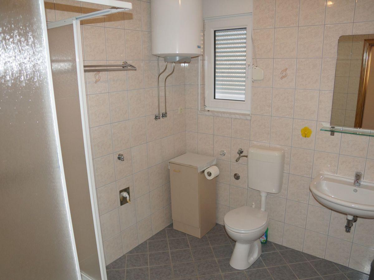 ferienwohnung hrgovcic 3 vir firma adela travel j d o o adela turkovic. Black Bedroom Furniture Sets. Home Design Ideas