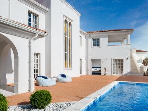 Villa Cesara