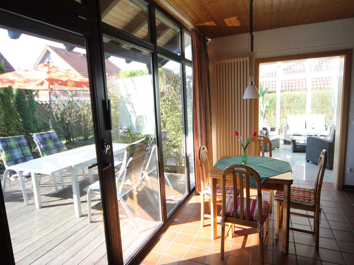 ferienhaus am meer freistehend mit wintergarten und kamin hooksiel herr norbert laufs. Black Bedroom Furniture Sets. Home Design Ideas