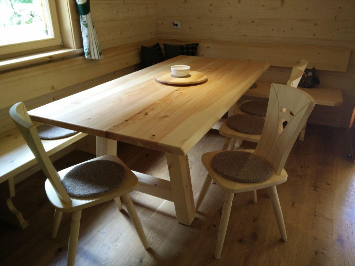 Chalet edelweiss hinterhornbach frau jana lechleitner - Tisch mit stuhlen ...