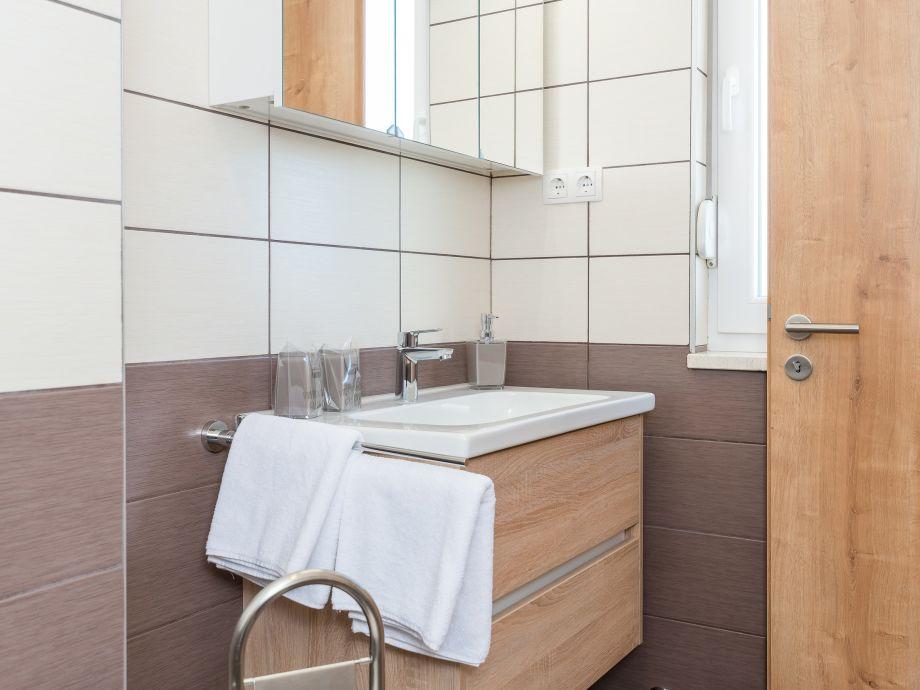 ferienwohnung kreuzpointner 2 zadar suko an firma adela travel j d o o firma adela turkovic. Black Bedroom Furniture Sets. Home Design Ideas