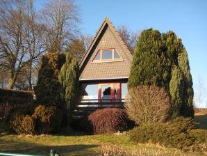 Ferienhaus Wilden eingezäunter Garten