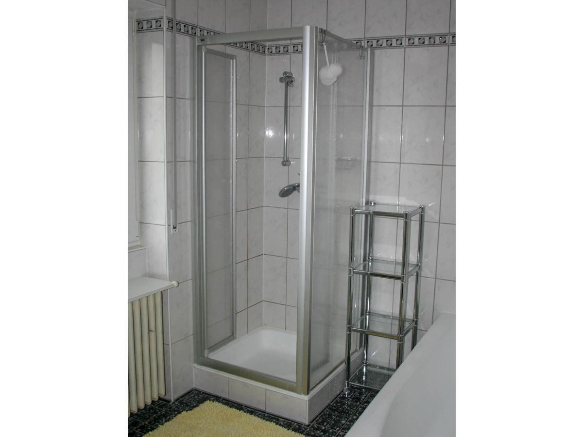 ferienhaus chiemsee 069 04 traunstein firma vermittlung von ferienwohnungen frau birgit kahnwald. Black Bedroom Furniture Sets. Home Design Ideas