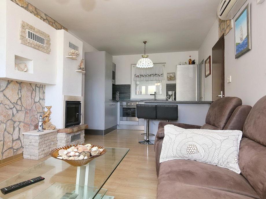 ferienhaus eden norddalmatien zadar und umgebung firma dalmatienhaus herr josip romfeld. Black Bedroom Furniture Sets. Home Design Ideas