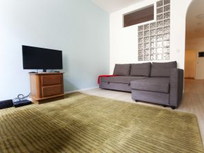 Apartment F1B London