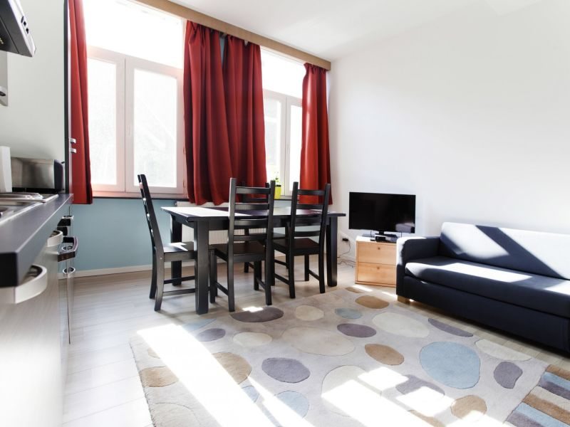 Apartment F2B Roma