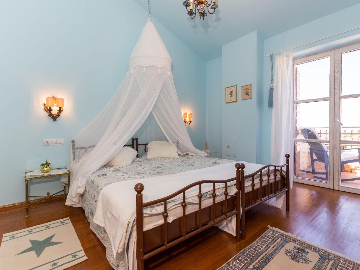 villa bella vista istrien frau nermina dzelili. Black Bedroom Furniture Sets. Home Design Ideas