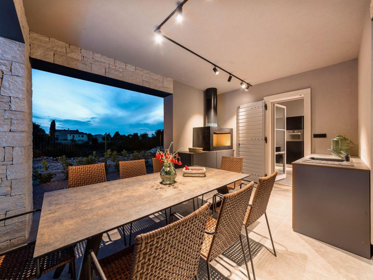Sommerküche Living At Home : Ferienhaus mit pool und sommerküche mit grill istrien