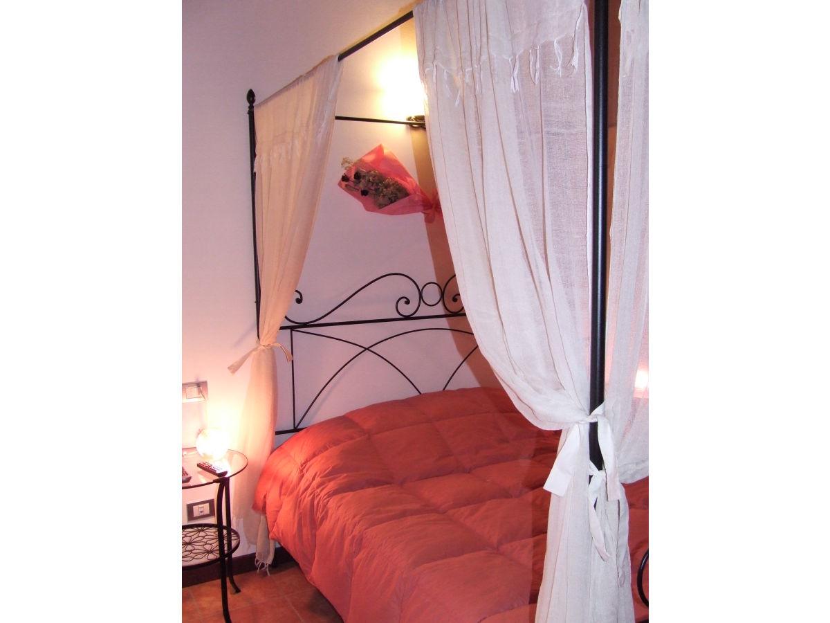 g stezimmer im b b c del sole gardasee firma b b ca 39 del sole frau miriam toselli. Black Bedroom Furniture Sets. Home Design Ideas