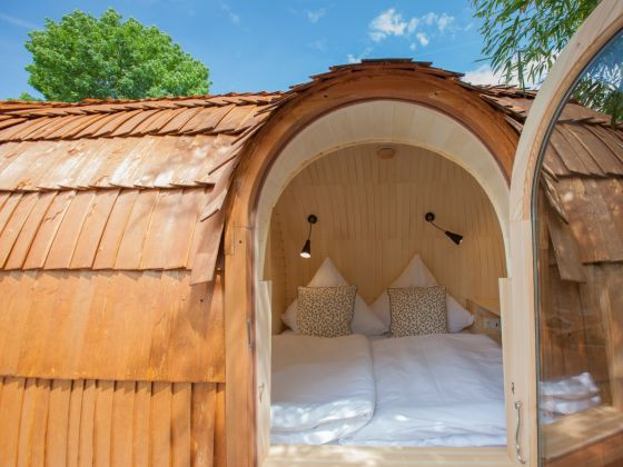 tiny house alpenpanorama chalet igluhut bodensee allg u herr michael schittenhelm. Black Bedroom Furniture Sets. Home Design Ideas