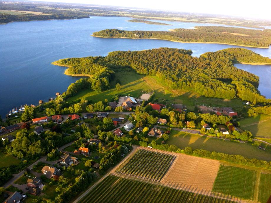 Seedorf und der Schaalsee aus dem Ballon.