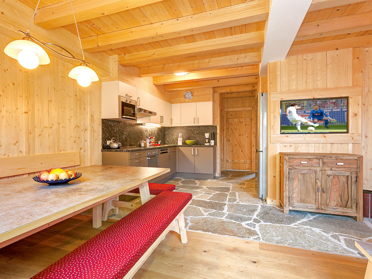 chalet juns nr a tux im zillertal tuxertal firma frosch ferienh user alpiner. Black Bedroom Furniture Sets. Home Design Ideas