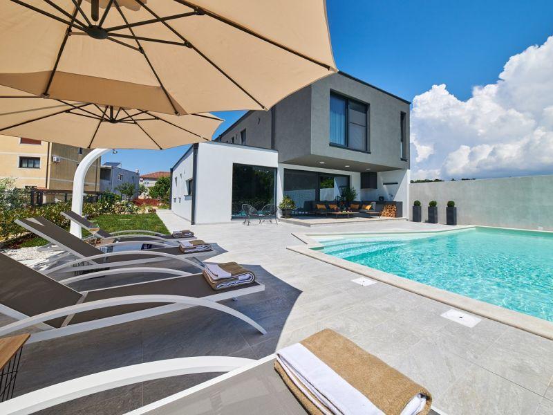 Villa 786