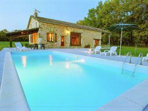 Ferienhaus Maison avec piscine dans une nature préservée