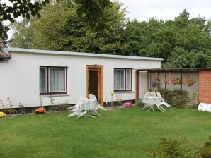 Ferienwohnung Mit Garten in Rostock 2