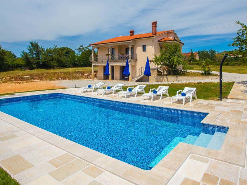 Ferienhaus Rossana mit Pool