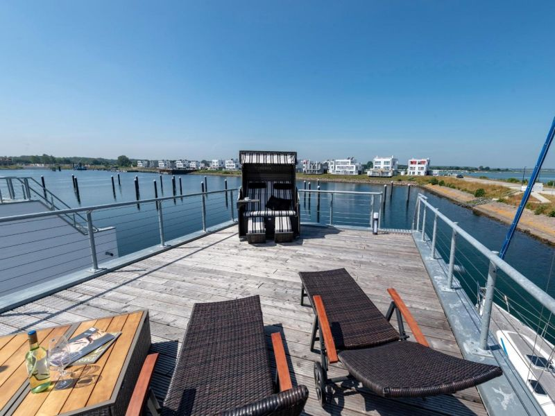 Hausboot Natea im OstseeResort Olpenitz