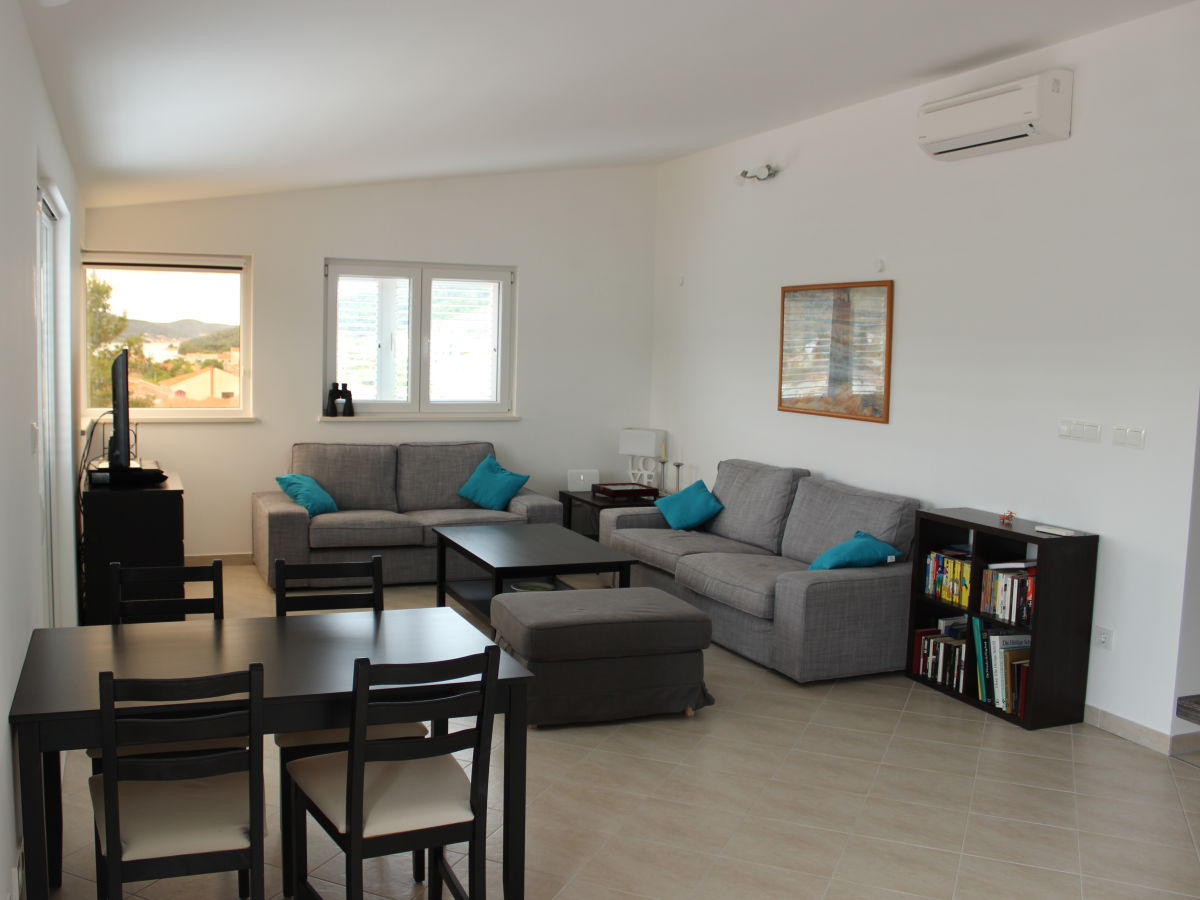 ferienwohnung in der villa sunce seget vranjica frau christin larisch. Black Bedroom Furniture Sets. Home Design Ideas