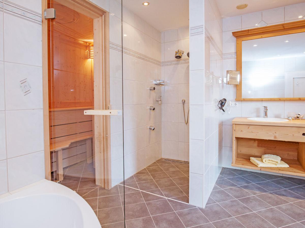 chalet salzburg gro gmain firma ruperti hotel gmbh co kg herr thomas berger. Black Bedroom Furniture Sets. Home Design Ideas