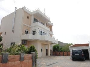 Holiday apartment Villa Pombia