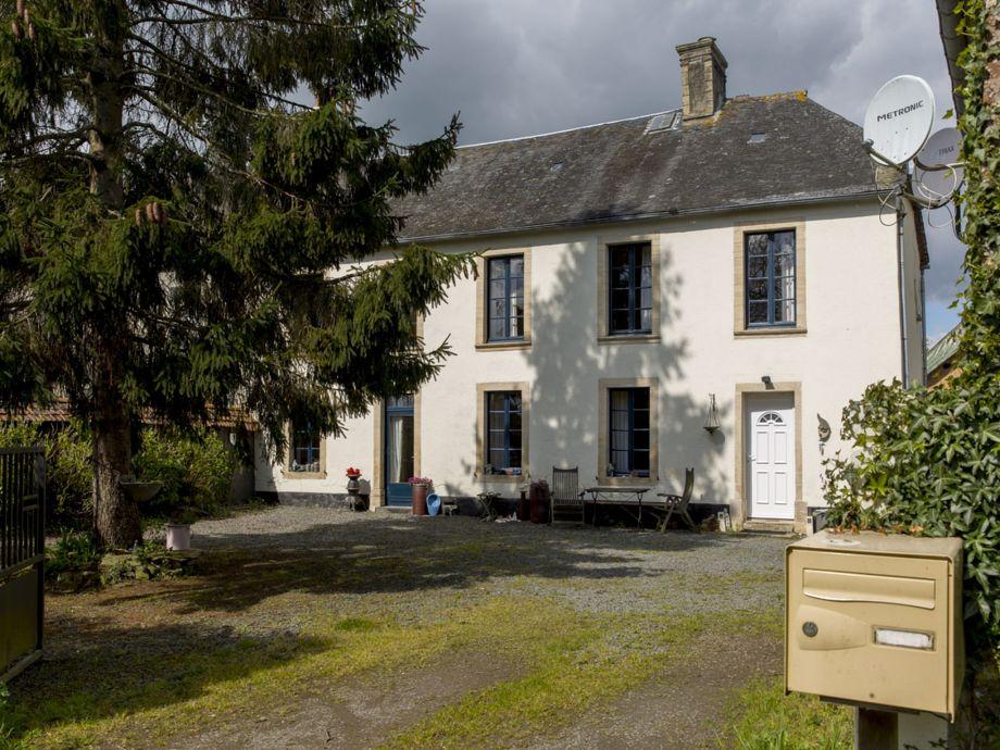 Außenaufnahme La Couronne