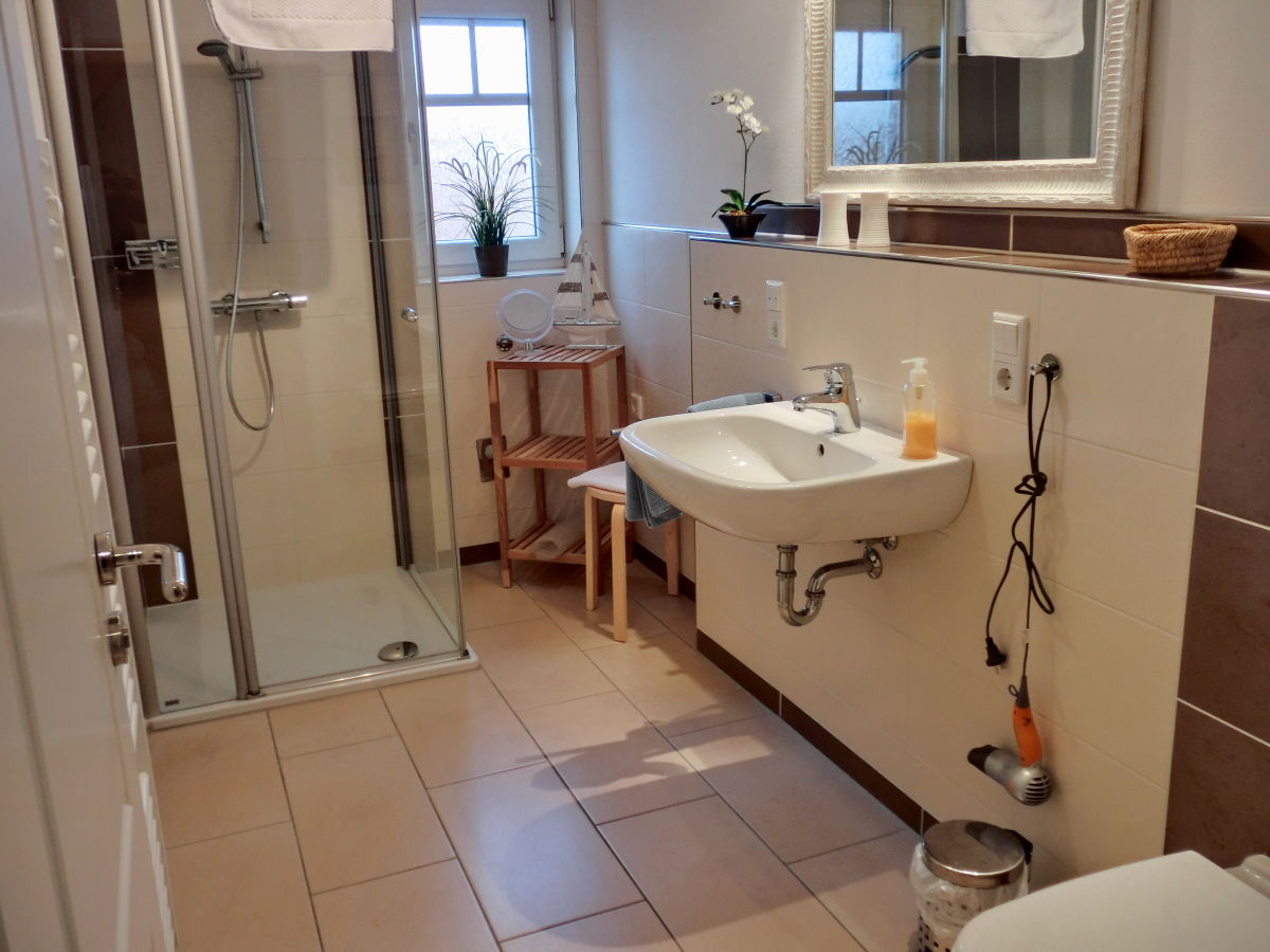 ferienwohnung meeresbrise norddeich frau dorothea br derle suhren. Black Bedroom Furniture Sets. Home Design Ideas