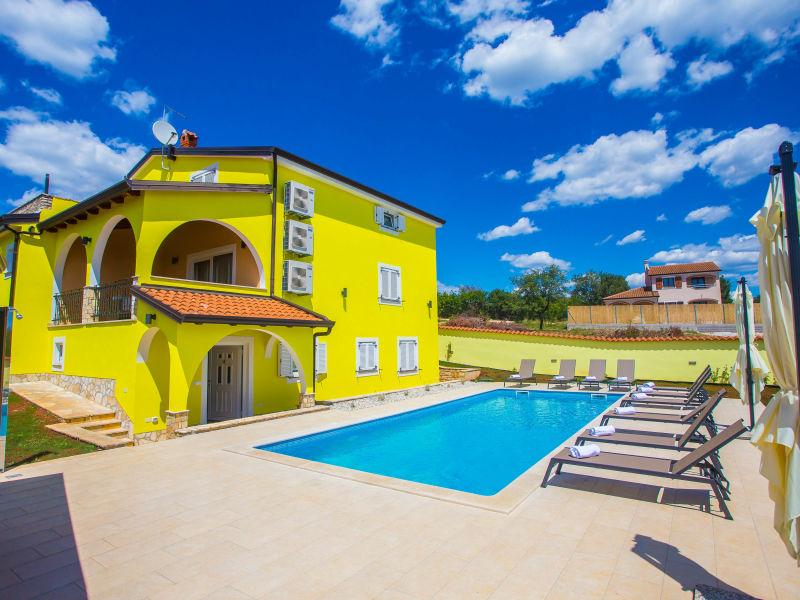 Ferienwohnung Mirna in Villa Andrea