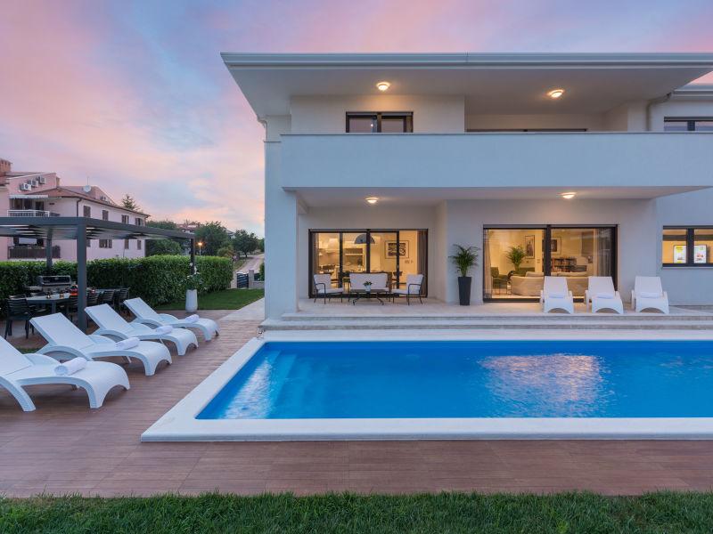 Villa Chill House