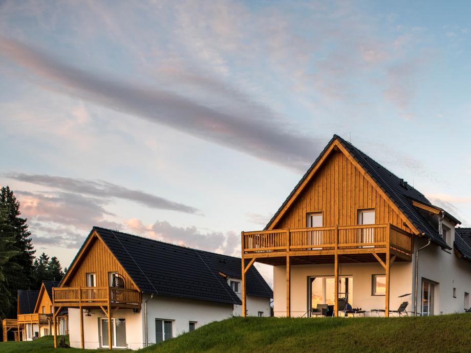 Villa Lakeside Village SLLV-810