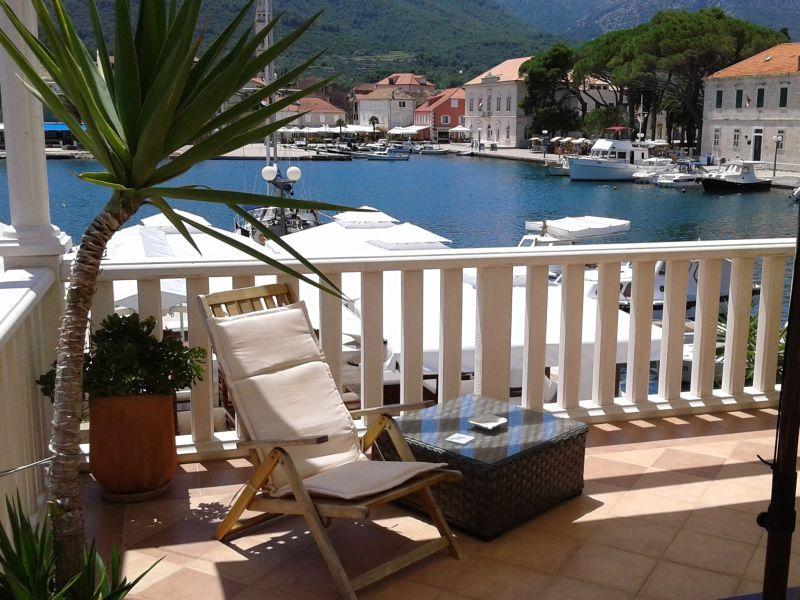 Ferienwohnung Radovani Luxus Apartment