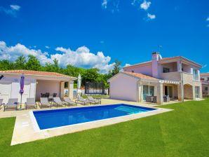 Holiday house Villa Nikolas