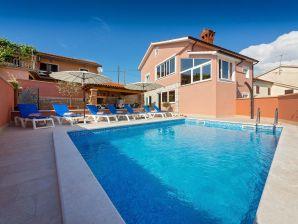 Holiday apartment Villa Petra Kastelir