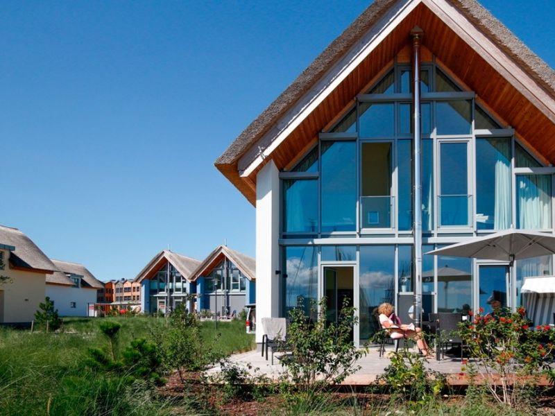 """Ferienhaus Ostsee - Reetdachhaus """"Graswarder"""" im Strand Resort"""