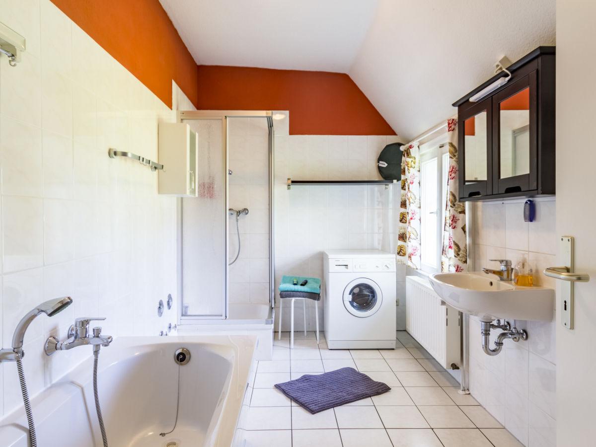 ostseeliebe ferienhaus kapit nsstube fuhlendorf firma ostseeliebe ferienhausvermietung frau. Black Bedroom Furniture Sets. Home Design Ideas