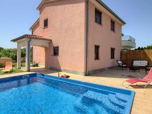 Villa Mary nähe von Medulin mit privat Pool