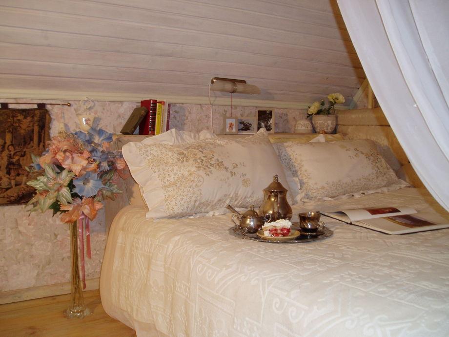 g stehaus kaju saaremaa frau astra valgma. Black Bedroom Furniture Sets. Home Design Ideas