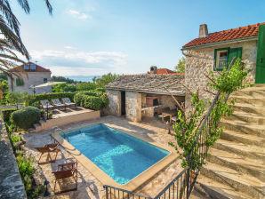 Ferienwohnung Villa Maruka