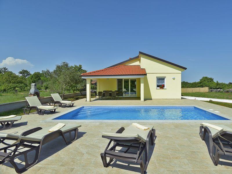 Villa 801