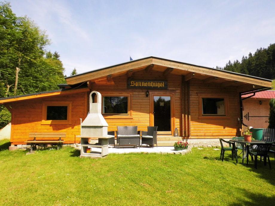 Blockhaus mit Sauna, Terrasse und Grillkamin