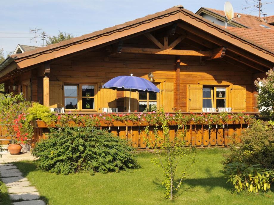 Ferienhaus zum Alleinbewohnen am Fuße der Alpen