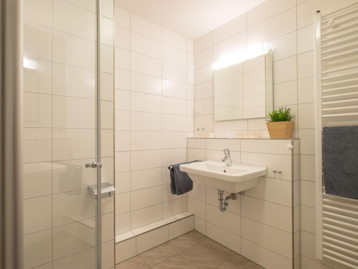 ferienwohnung gemeinsamzeit berlingen firma marx managt ferienwohnungen am bodensee frau. Black Bedroom Furniture Sets. Home Design Ideas