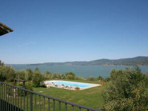 Ferienhaus Blick auf den Lago Trasimeno.  privatem Pool IT758